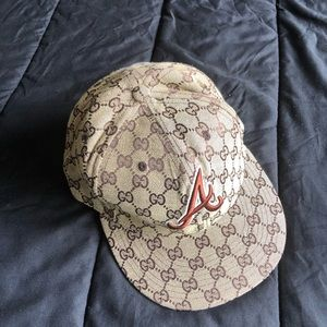 GUCCI FITTED HAT